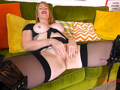 Randy mature amateur Mackenzie in leather boobs gets fucked hard