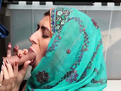 British blonde office Hijab-Wearing Arab Teen Harassed