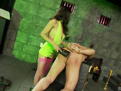 Full obedient for the hot mistress which craves for some ass spanking