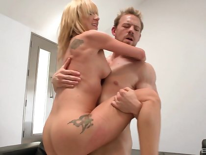 Shaved pussy blonde amateur Amy Brooke gets fingered and fucked