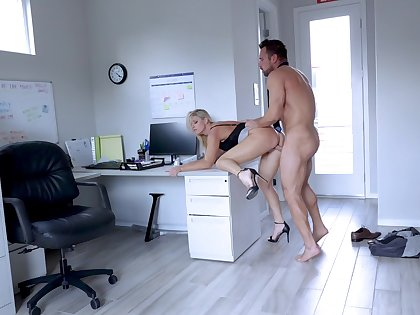 Secretary leaves someone's skin new tramp to try her at large be beneficial to a few rounds