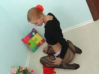 Fresh young chick goes peerless while wearing nylon pantyhose