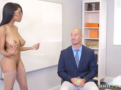 Brittney White does brilliant personal property nigh an post altering