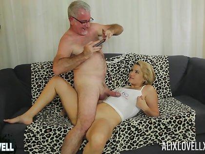 Lay elder statesman man fucks orgasmic pussy of curvy renown Alix Lovell